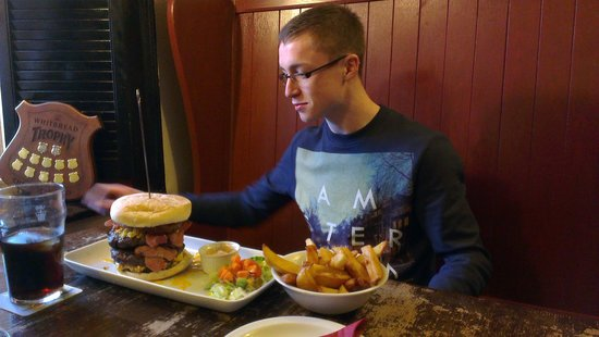 The King William IV Pub: A burger to die for! 500g of pure steak in a burger!