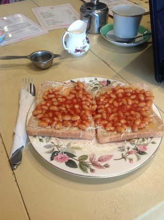 Lulubelles Of Dorset: beans and cheese on toast