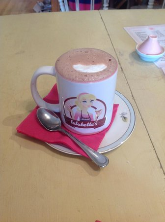 Lulubelles Of Dorset: hot chocolate with marshmallow