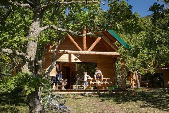 Camping Huttopia Dieulefit : Cabane at Dieulefit