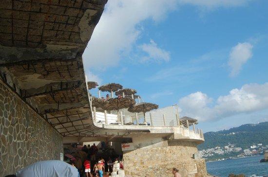 Las Torres Gemelas: hotel beach (view of the platform above it)