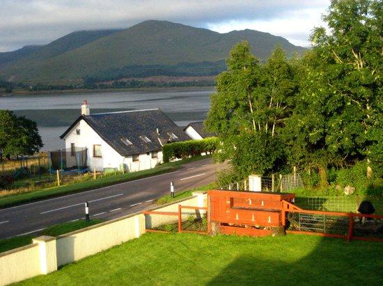 Ardarroch Cottage B&B: View from Bedroom Window