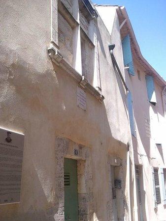 Casa Natale Di Nostradamus : pequeña, vencida casa de Nostradamos
