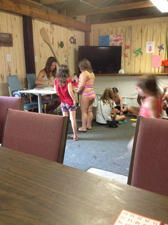 Bluegill Lake Campground: Family Game and Play Room