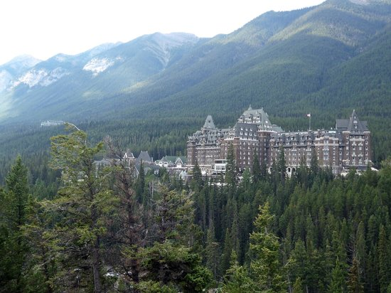 Surprise Corner: Fairmont Banff Springs from Surpise Corner