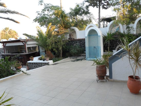Kafouros Hotel: View from patio