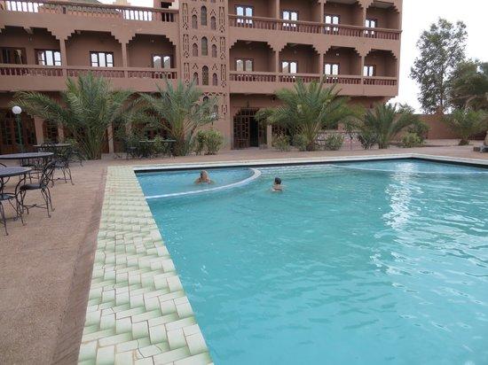 La Perle du Draa: piscine