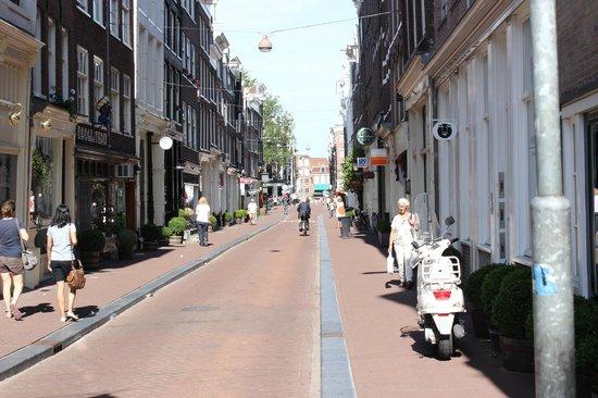 Hotel Di-Ann: Amsterdam street