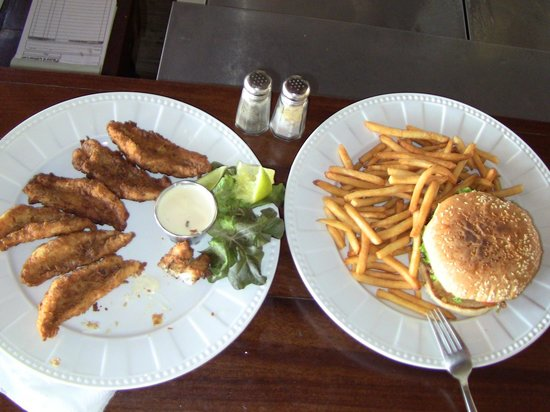 Blue Marlin : Lionfish fingers and chicken burger.