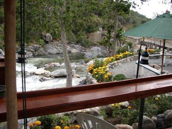 Gateway Restaurant and Lodge : view from Gateway Restaurant