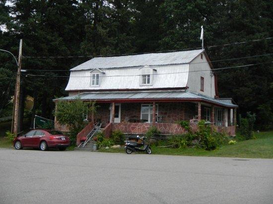 La Maison du Saint-Maurice: La vieille Poste de Grande Pile : Maison du St Maurice