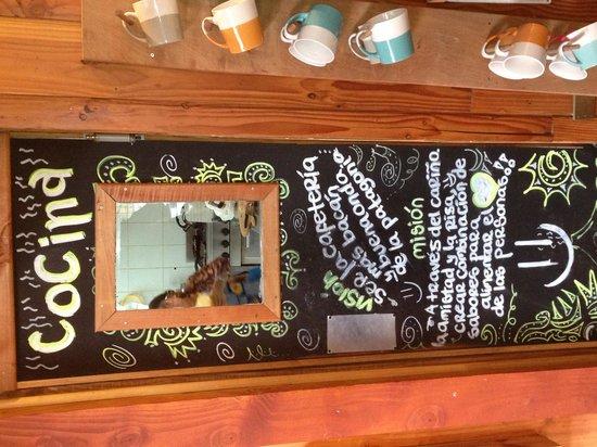 Lounge Brasil: puerta de cocina