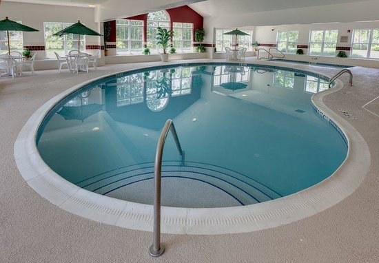Country Inn & Suites By Carlson, Columbus Airport East: Pool
