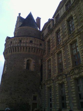 Château de Brissac : Chateau de Brissac - vue d'une tour