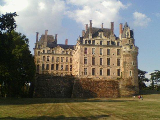 Château de Brissac : Chateau de Brissac - Vue arrière
