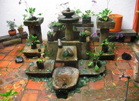 Apartaestudios La Candelaria: la fontanella nel cortiel
