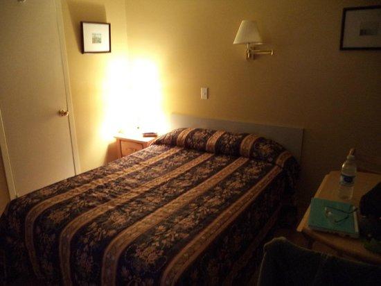 Hôtel Motel Fleur de Lys : chambre 28