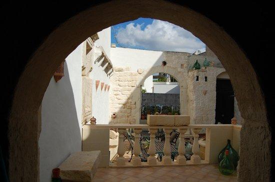 Palazzo Muro Leccese Relais de Charme: patio