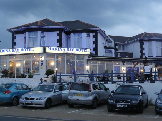 Marina Bay Hotel Sandown