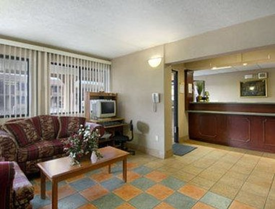 Days Inn Elkton Newark Area : Lobby