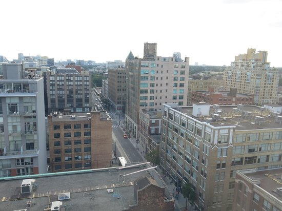 Hilton Garden Inn Toronto Downtown : View from room 1710
