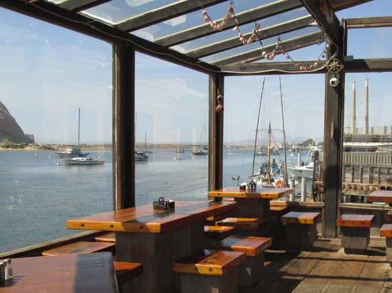 Morro Bay Waterfront Grill : Outdoor dining after 5PM