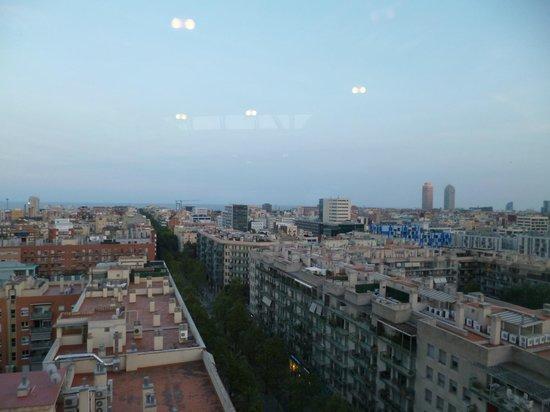 Four Points by Sheraton Barcelona Diagonal: Vue de la salle de sport
