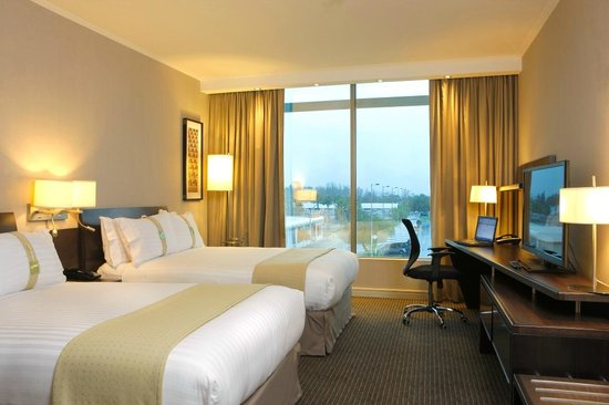 Holiday Inn Santiago Airport: Two Queen Size Room