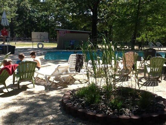 Tip Tam Camping Resort: Pool patio