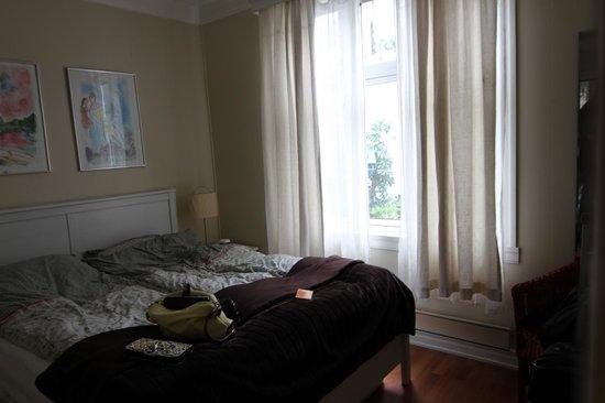 Little House: Main Bedroom