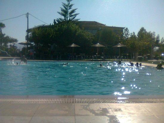 Gmp Bouka Resort Hotel