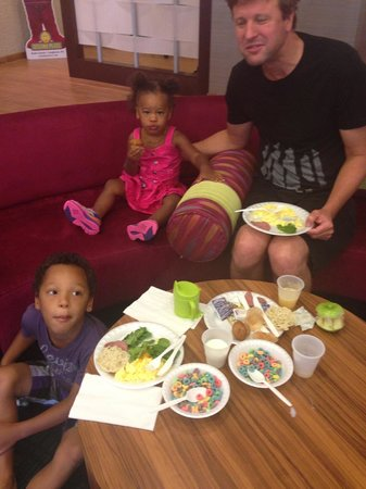 SpringHill Suites Philadelphia Langhorne: Healthy family breakfast - scrambled eggs, spinach and cereal