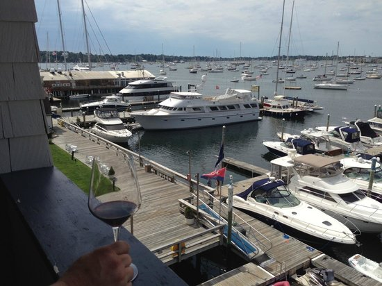 Newport Harbor Hotel & Marina : View from our roon