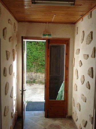 Auberge le Clos Jamac: couloir de l'entrée