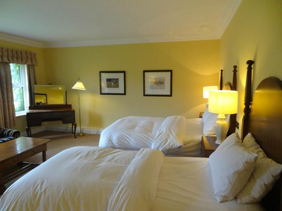 Dunraven Arms Hotel: Room