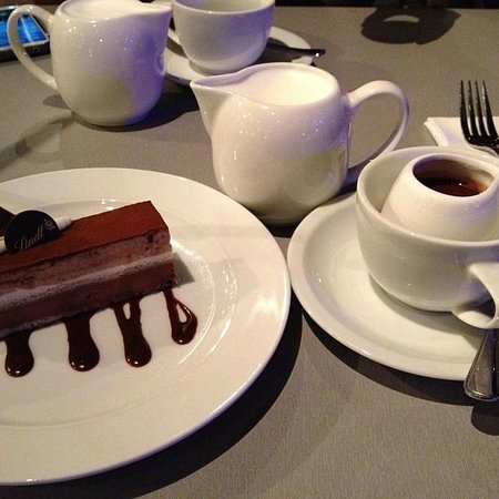 The Lindt Cafe: Signature hot chocolate and St. Mortiz cake