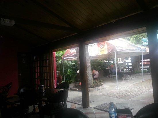 Restaurant Baru: in/outdoor areas 2