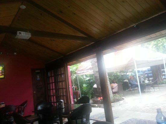 Restaurant Baru: in/outdoor areas