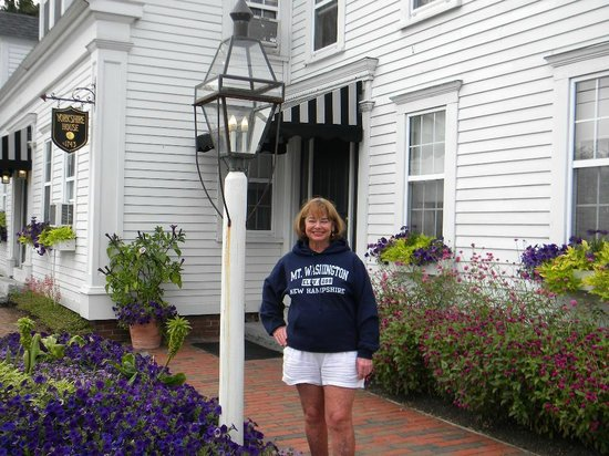 York Harbor Inn: Me in front of our room