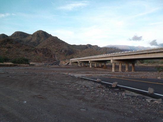 Villa del Palmar Beach Resort & Spa at The Islands of Loreto: Washed out road leading to resort after the rain