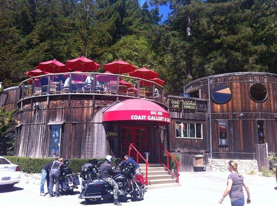 Big Sur Coast Gallery & Cafe: fachada principal y terraza