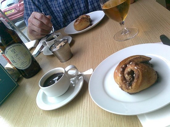 Sea Salt Food and Drink: the yummiest cinnamon buns south of Sweden