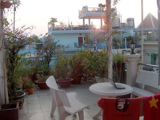 Ngoc Son Guest House: the balcony in the sunset