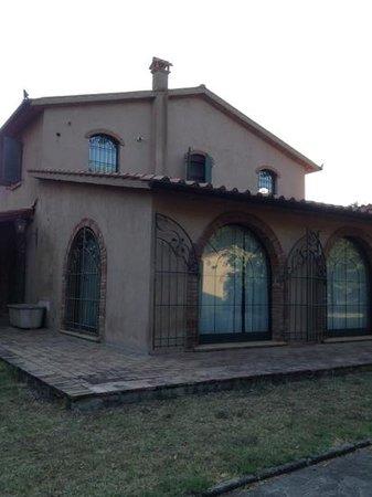 Relais Casale Il Poggetto: villa nel casale