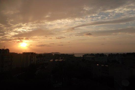 Hotel Playasol Riviera: sun set from balcony
