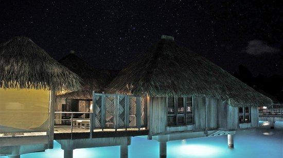 The St. Regis Bora Bora Resort: Bungalow & stars