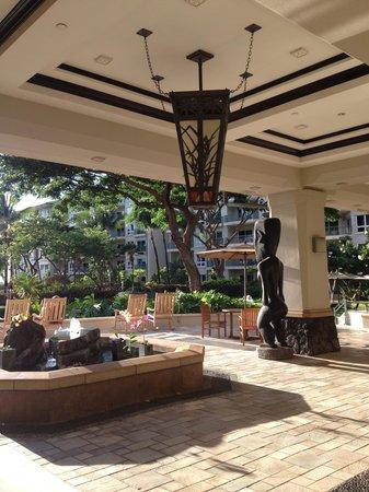 The Westin Kaanapali Ocean Resort Villas: Hotel Lobby looking out