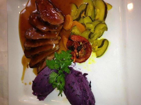 Le Pommier Restaurant: Duck L'Orange