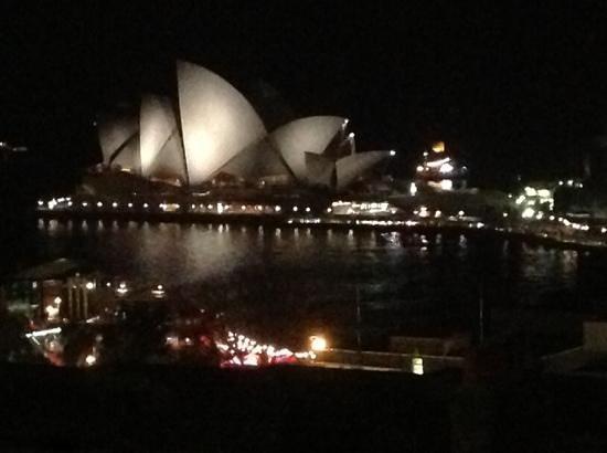 Sydney Harbour YHA: sydney by night