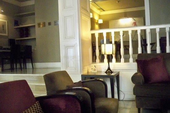 Condado Hotel Barcelona: Accueil